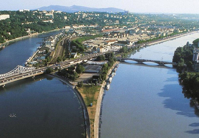 """Résultat de recherche d'images pour """"la confluence ville de lyon"""""""