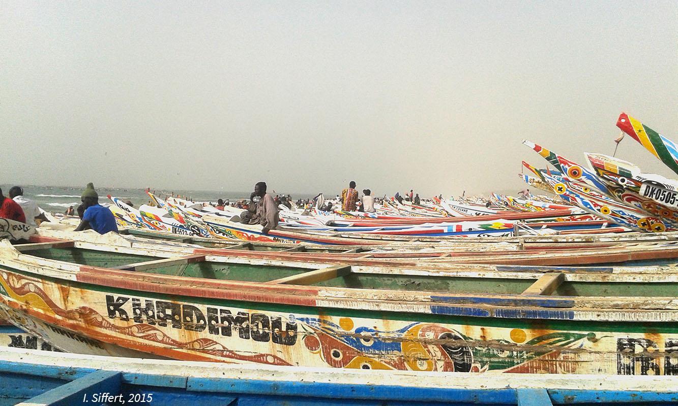 photographie pirogues sénégal pêcheurs