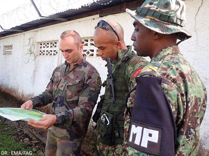 Coopération entre l'armée surinamienne et l'armée française en Guyane