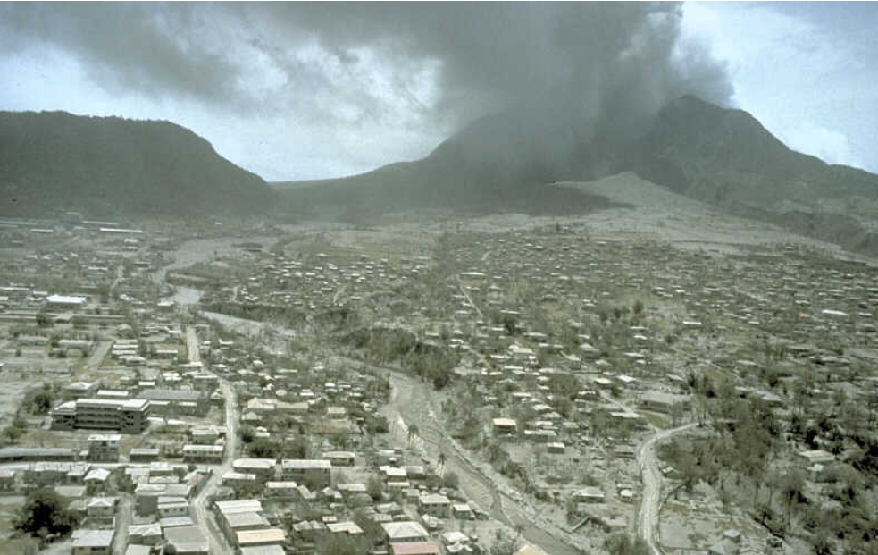 plymouth photographie éruption Montserrat — R. P. Hoblitt