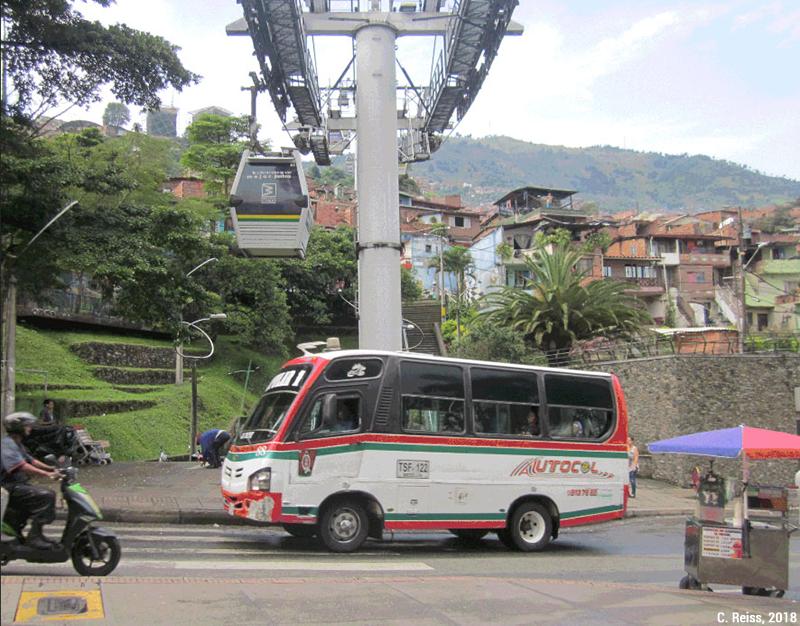 Camille Reiss — Minibus coopérative Autocol comunas 1 et 2