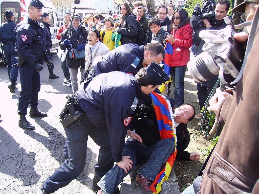 Manifestation pro-tibétaines lors du passage de la flamme olympique à Paris 2008