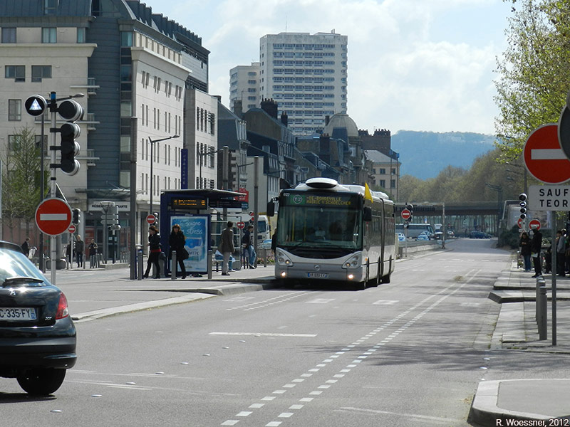 Raymond Woessner — bus bhns TEOR à Rouen