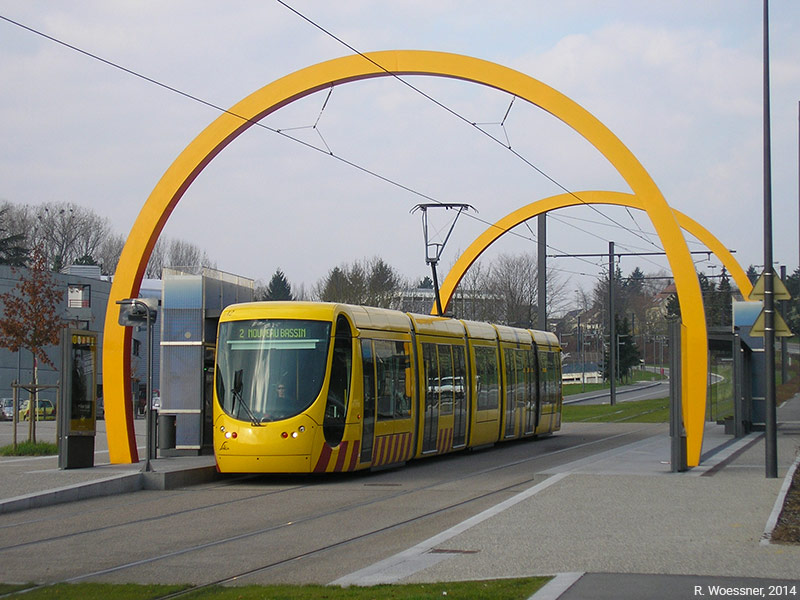 Raymond Woessner — tram à Mulhouse station Katia et Maurice Krafft