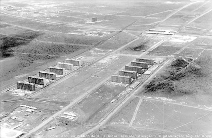 L'esplanade des Ministères en 1957, source: Portalbrasil.