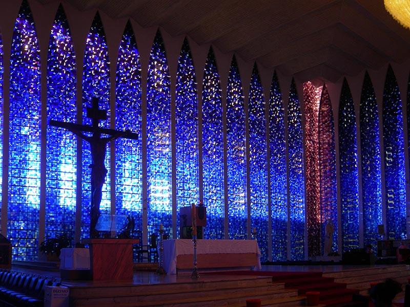 L'«église bleue», Dom Bosco. Cliché H. Théry
