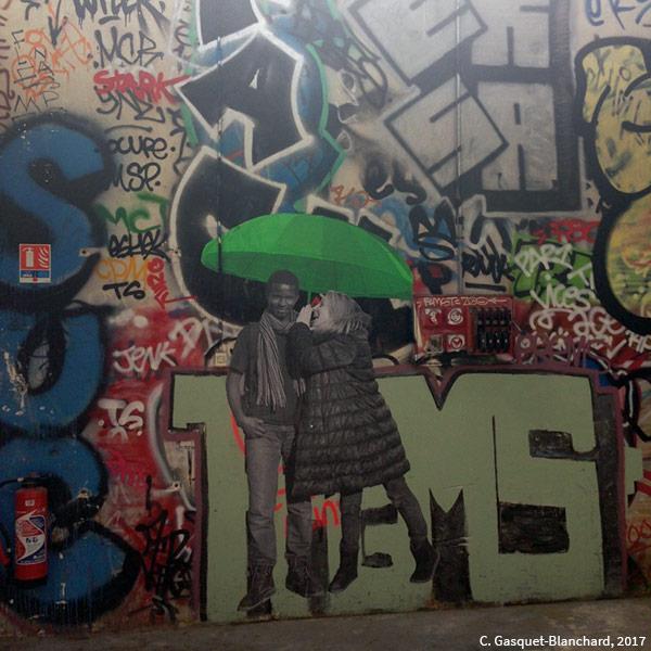photographie de Clélia Gasquet-Blanchard 2017 — Grafitis et parapluie