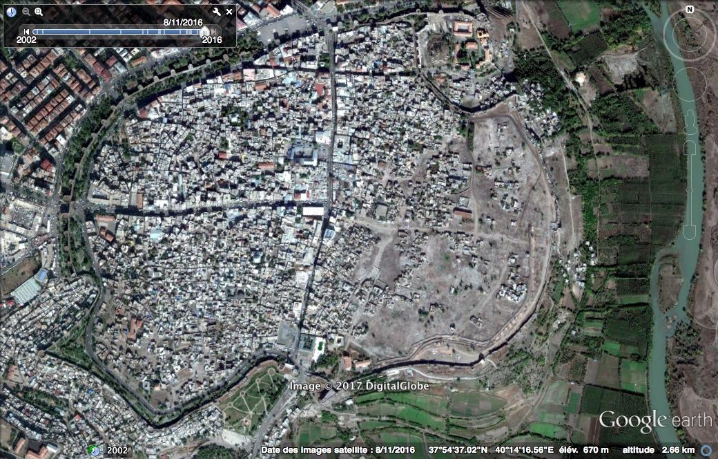 Google Earth — après urbicide à Diyarbakir novembre 2015