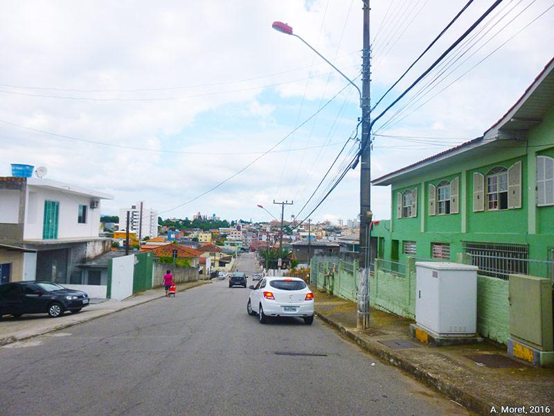 Alice Moret — rue Elis Regina, dans le quartier d'Areias à Sao José, Florianopolis