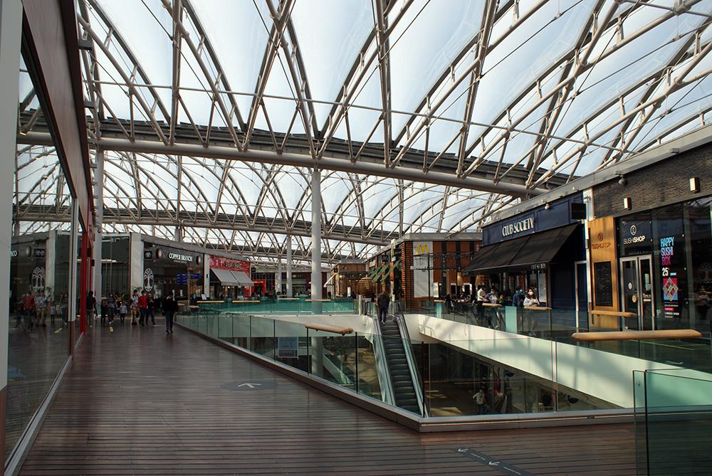 Matthieu Adam — Centre commercial Confluence à Lyon - intérieur