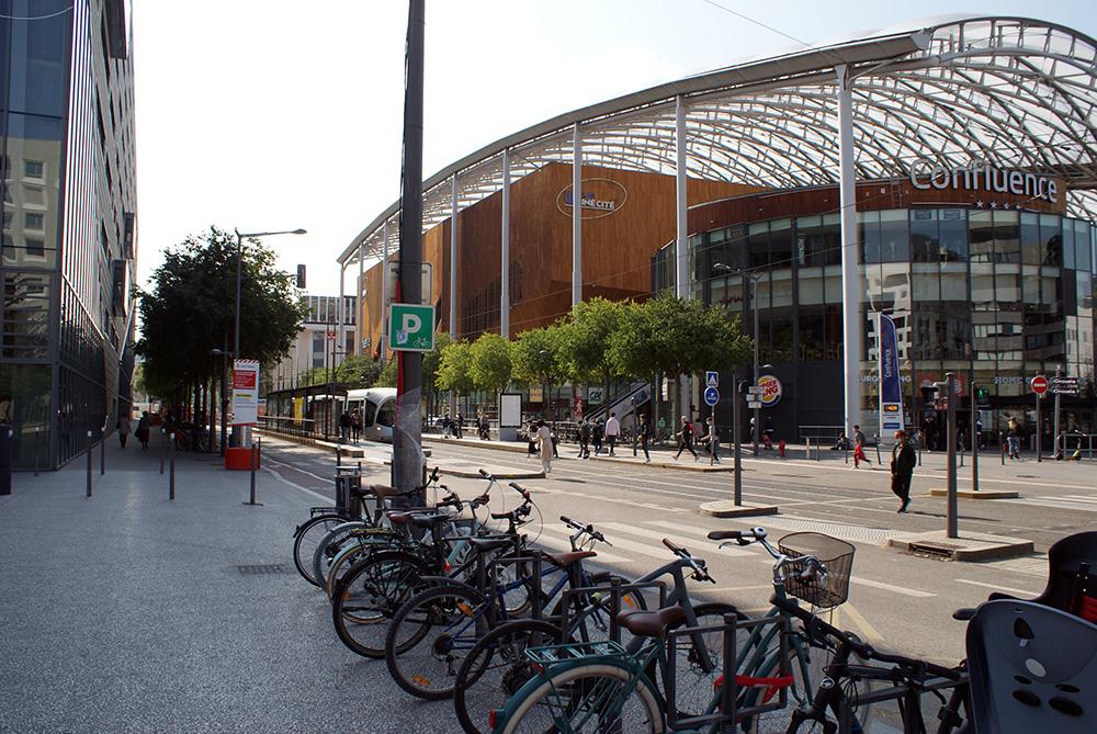 Matthieu Adam — Centre commercial Confluence à Lyon
