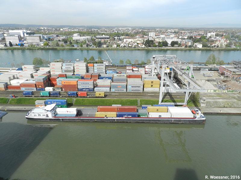 Raymond Woessner — Terminal Porte-conteneurs port de Bâle