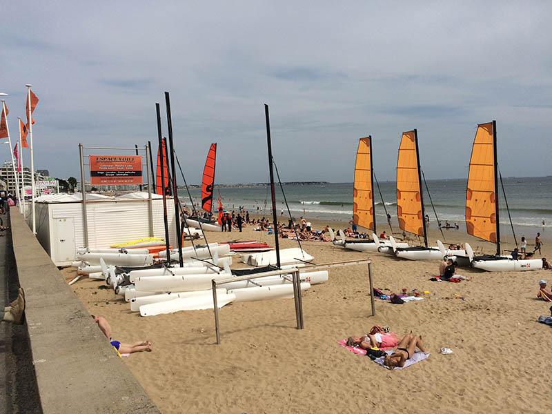 occupation des plages la baule équipements paillottes