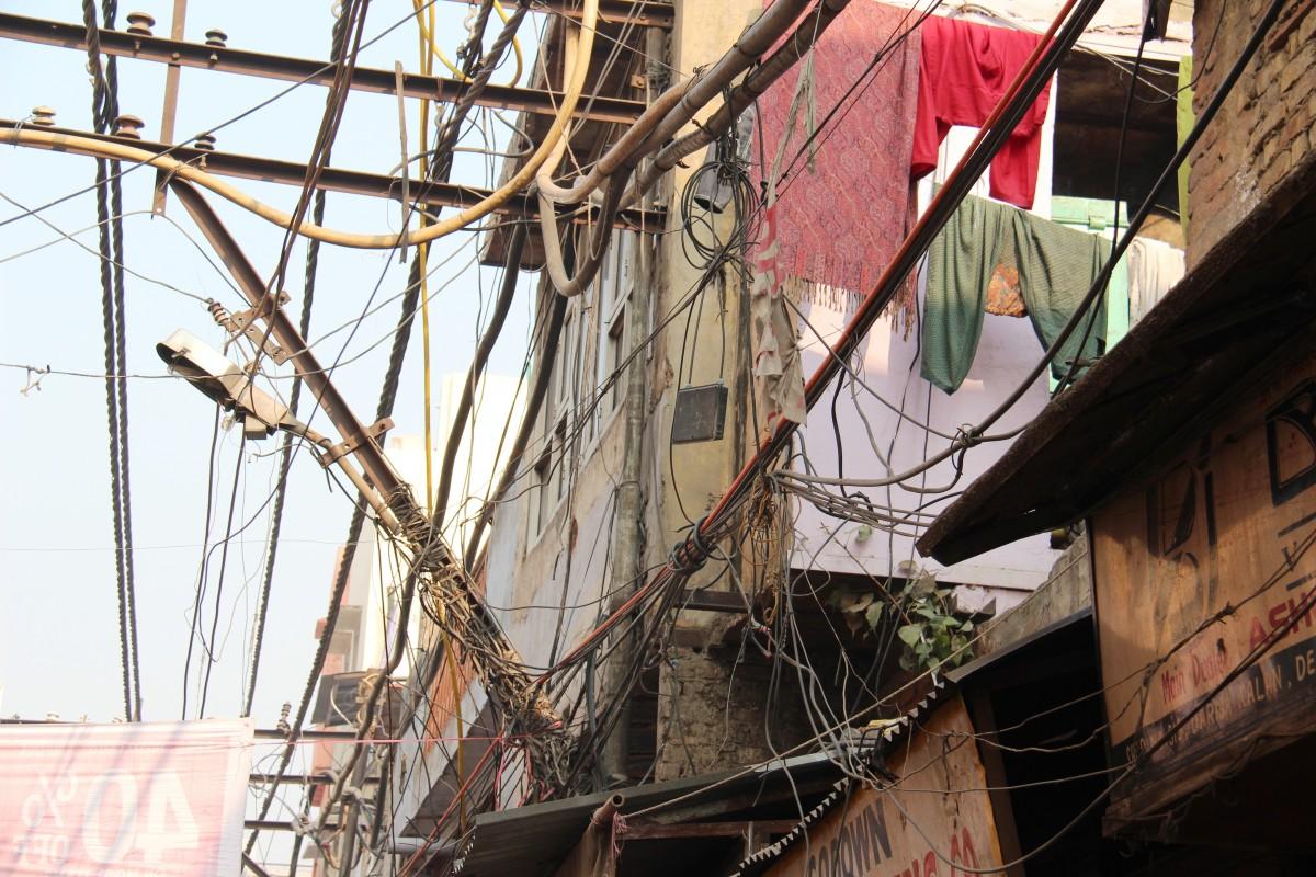 câbles électriques à Delhi