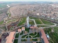 Image à la une : paysage d'urbicide, la destruction de la vieille ville de Diyarbakir (Sud-Est de la Turquie)